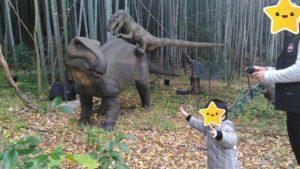 恐竜の親子