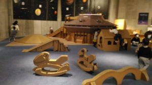 段ボール遊具のキッズスペース2